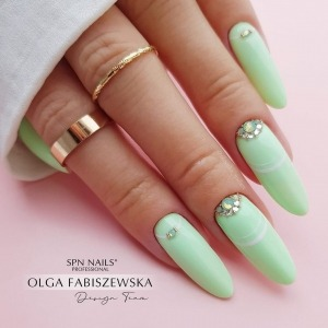 """Bet on fresh #mintnails! 💚 You can confidently introduce the """"925 Nice to Mint You"""" gel polish to all your customers who are already dreaming about summer and holiday relax!  The colour 925 can be found in the JUICY Collection 🍊🍋  ✨Click on the picture and you will be redirected to the product in our store!✨   #spnnails #projectnailsuk #fyp #pastelnails #nails2021 #uknails #nailsofinstagram #nailsoftheday #greennails #nailsmagazine"""