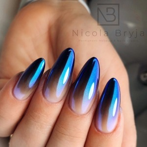 If you love mirror shine on your nails - this set will surely delight you! Aurora 03 iridescent dust, placed on ombre with Black Tulip 503 gel polish, makes an amazing impression! ✨🖤🖤🖤 The author of this beautiful set is: Nicola Bryja • Permanent Makeup & Nails   ✨More information about shimmering powders can be found : link on bio ❤️  #projectnailsuk #spnnails #swarovskicrystals #swarovskinails #pinknails #glitternails #dustpowder #blingnails #blingbling #uknails #uknailsupplies #gelnails #gelnailsdesign  #fyp #nailproducts #glitternails #nailpowder #naildust #blackombre #blacknails #rainbownails #blackbabybommer