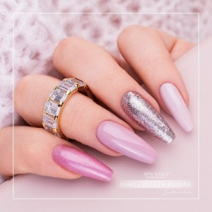 Sweet manicure with #blingblingeffect 💫 just in time for the weekend! 💗 In this set: holographic pink 840 CandyHo!, beautiful nude 635 Keep Calm, lighter nude shade 765 Fudge and shiny Metal Gel Rose Gold💫 Which colour would you choose for yourself? Or maybe all of them at once?  #nudenails #pinknails #holonails #glitternails #spnnails #spn #spnteam #ballerina #ballerinanails #dlugiepaznokcie #paznokciezelowe #zelkauczukowy #żelkauczukowyspn #rubbergel #rosegold #rosegoldnails #przedluzaniepaznokci #candyho #metalgel #metalgelrosegold #fudge #keepcalm #instanails #nailstagram #inspiracjepaznokciowe #nudziaki #beautifulnails #sweetnails